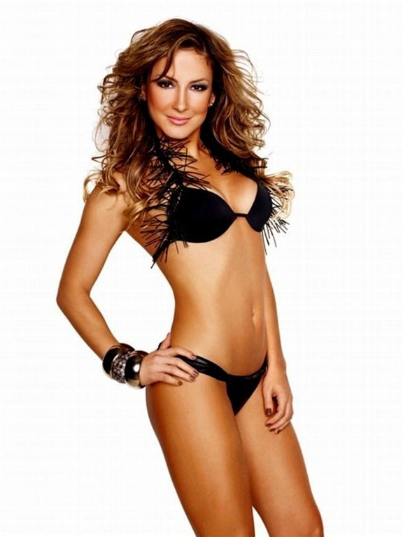 claudia-leitte-photoshop_thumb1